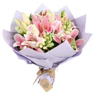 Букеты с лилиями